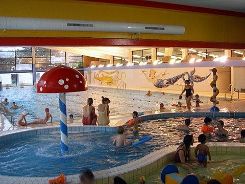 Parc sportif des 3 tilleuls for Piscine bois enfant
