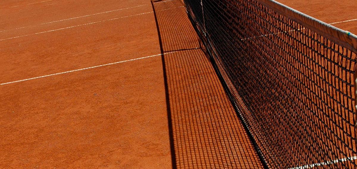16 tennis courts